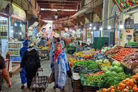 Photo of جشع التجار المضاربين يشكل عائق أمام المواطنين لاقتناء قفة رمضان